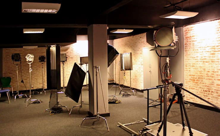 Academia de Arte de Florencia- Boué Arquitectos : Estudios y oficinas de estilo  por Boué Arquitectos