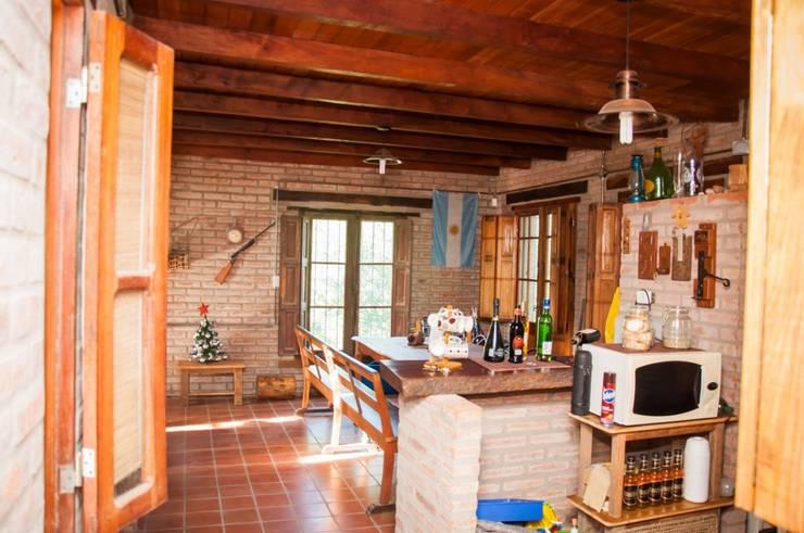 Cocinas de estilo  por Abitar arquitectura