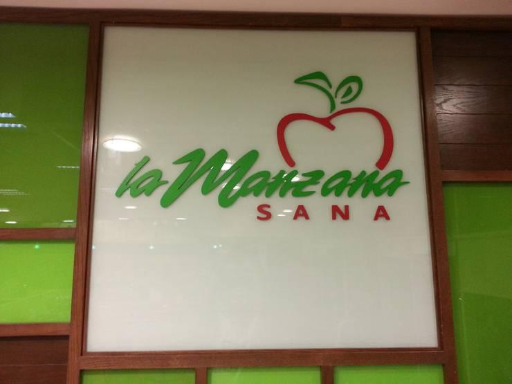 La Manzana Sana: Comedor de estilo  por VIVAinteriores