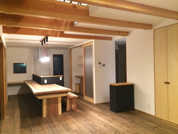 LDK: TIEN natural comfort design roomが手掛けたダイニングルームです。