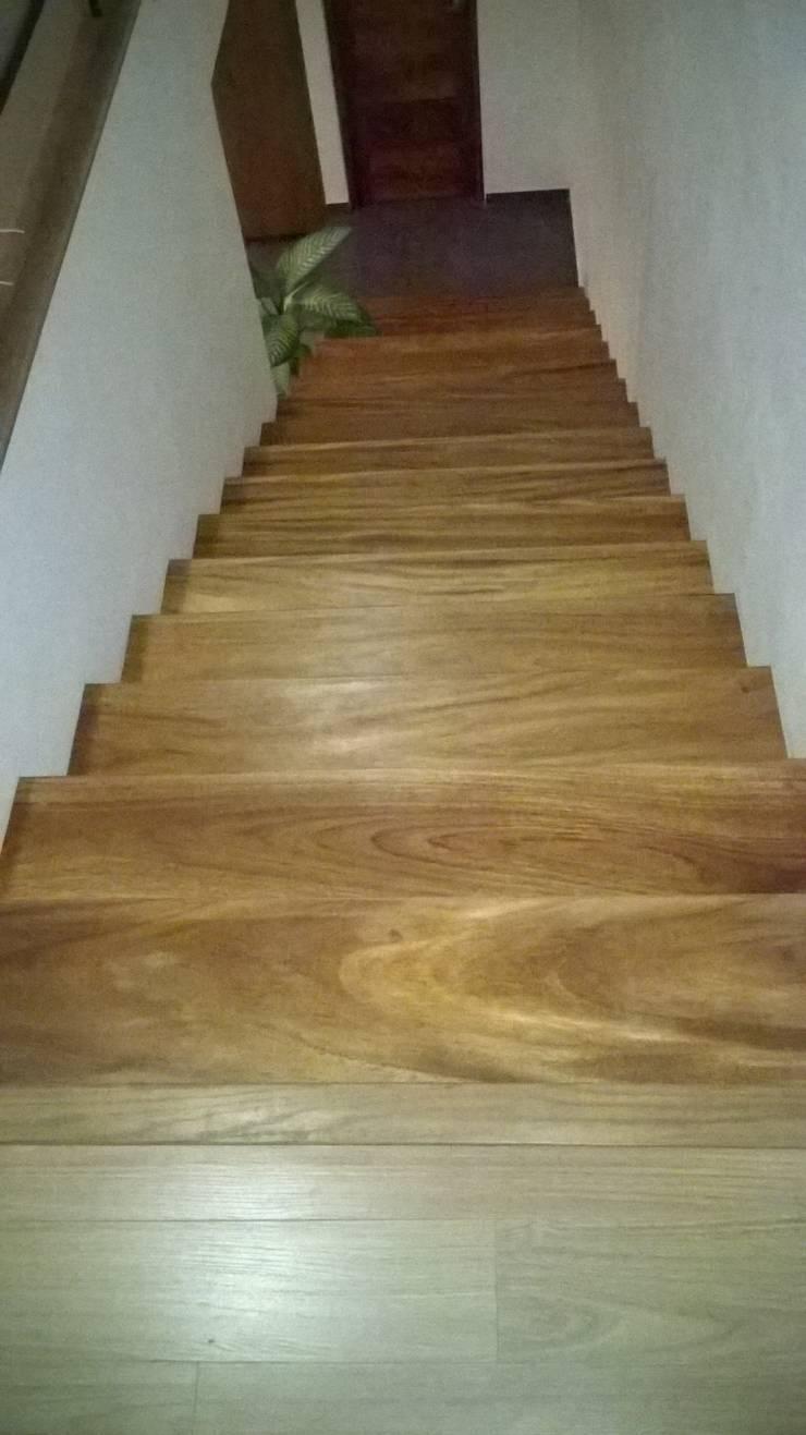 Escalera parota:  de estilo  por k4bim