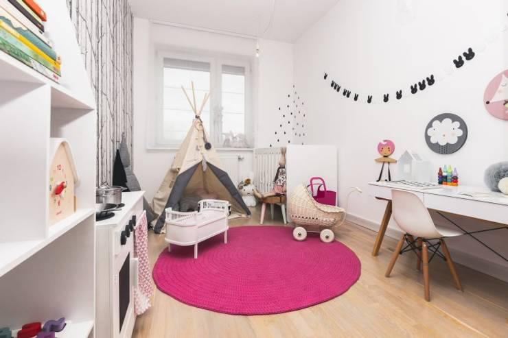 Kalaluszek, Archissima (estilismo) y Przemek Kucinski (fotografía): Habitaciones infantiles de estilo  de Haciendo el Indio