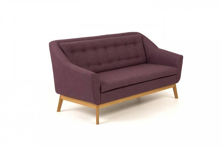 Sofa na dębowych nogach Paula: styl , w kategorii Salon zaprojektowany przez onemarket.pl