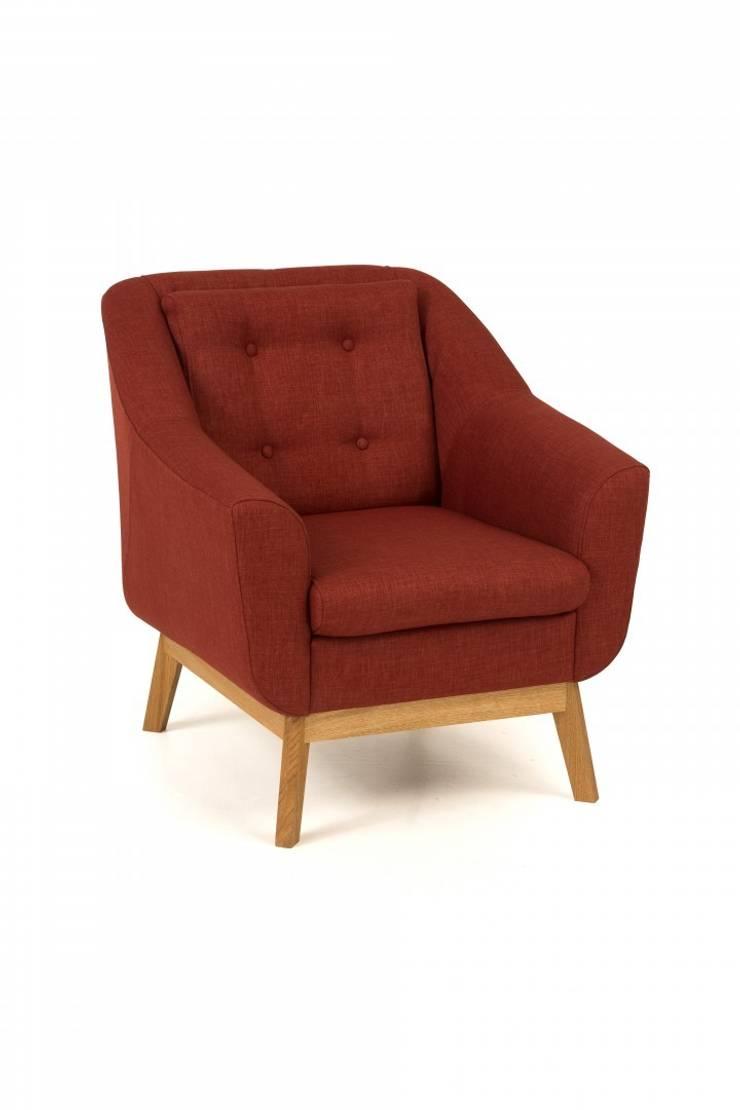 Fotel tapicerowany Paula z pikowanym oparciem: styl , w kategorii Salon zaprojektowany przez onemarket.pl