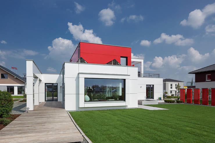 LUXHAUS Musterhaus Nürnberg:  Terrasse von Lopez-Fotodesign
