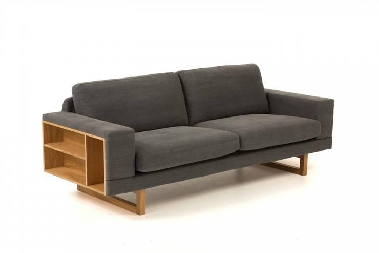 Sofa na dębowych nogach Libreria: styl , w kategorii  zaprojektowany przez onemarket.pl,Skandynawski Drewno O efekcie drewna