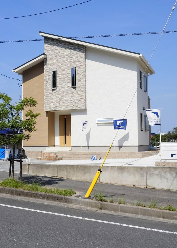 『 やさしさ 集まる すまい 』:  Live Sumai - アズ・コンストラクション -が手掛けた家です。,