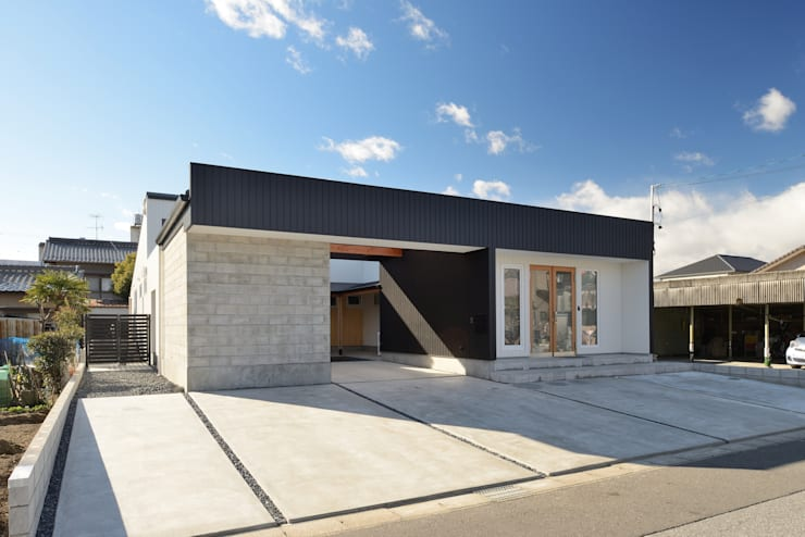 『Tatsuhiro Base』: 株式会社 竜廣設計が手掛けた家です。