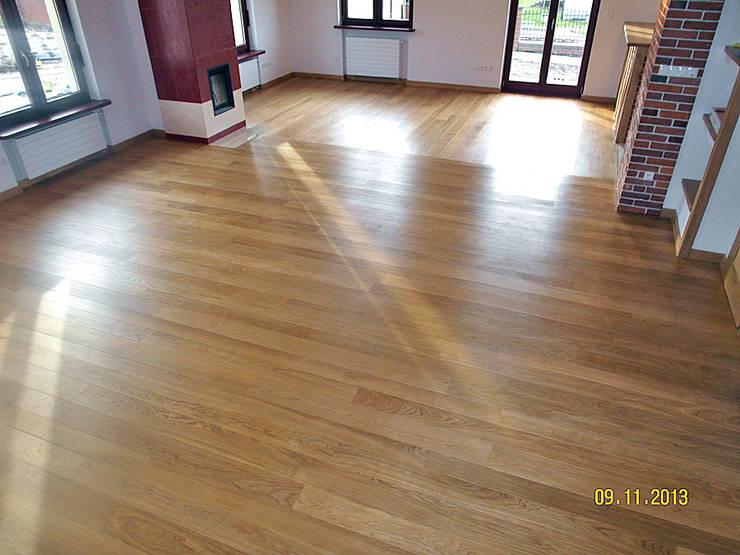 Parkiet drewniany. Realizacja podłogi drewnianej w Lubinie.: styl , w kategorii  zaprojektowany przez PHU Bortnowski