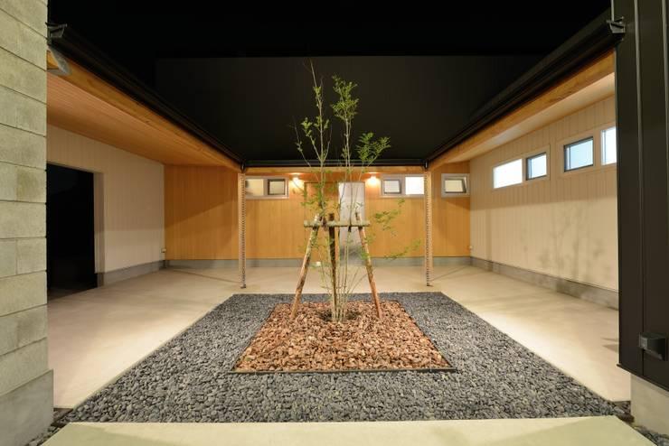 『Tatsuhiro Base』 モダンスタイルの 玄関&廊下&階段 の 株式会社 竜廣設計 モダン