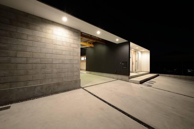 『Tatsuhiro Base』 モダンな 家 の 株式会社 竜廣設計 モダン