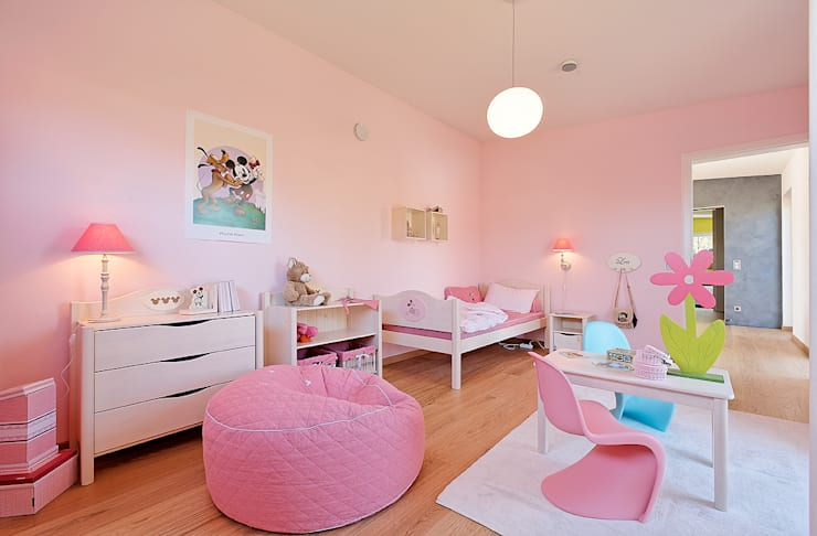 Nursery/kid's room by Lopez-Fotodesign