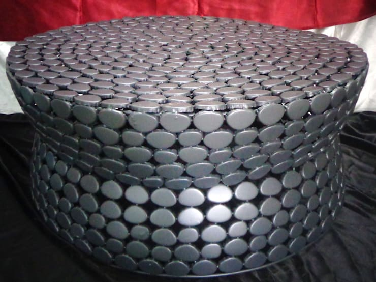 Iron Pebble Table: modern Living room by Overseas Trading Corporation