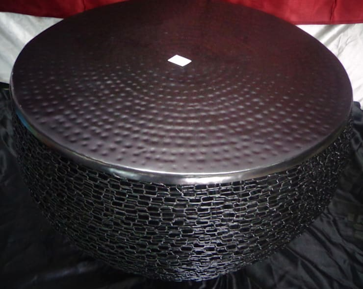 Iron Interlocked Chain Table: modern Living room by Overseas Trading Corporation