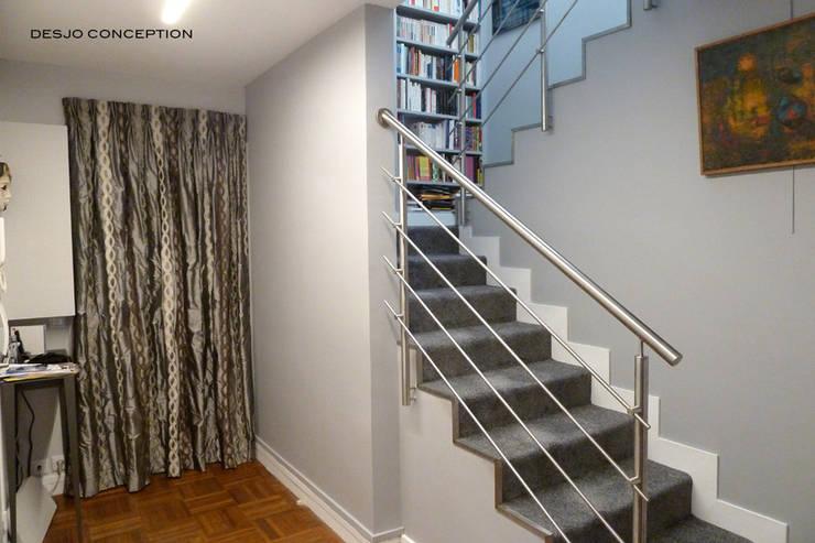 L'entrée: Couloir et hall d'entrée de style  par Desjoconception