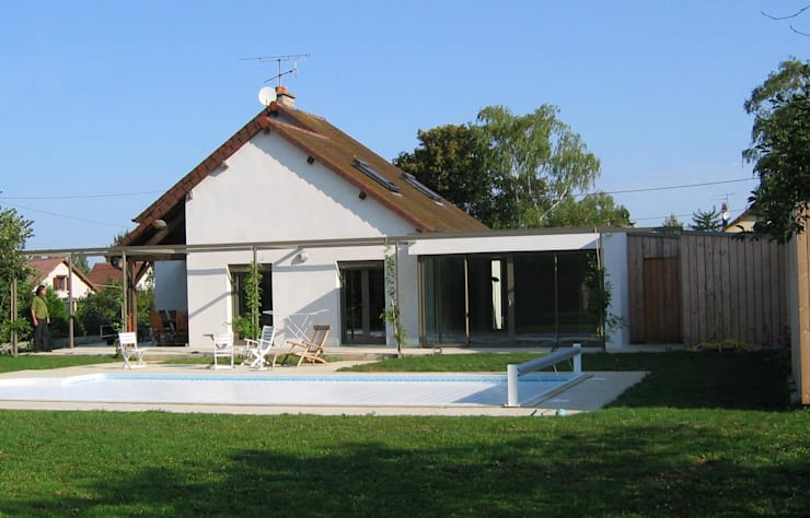 Façade sud sur jardin: Maisons de style  par Thierry Marco Architecture