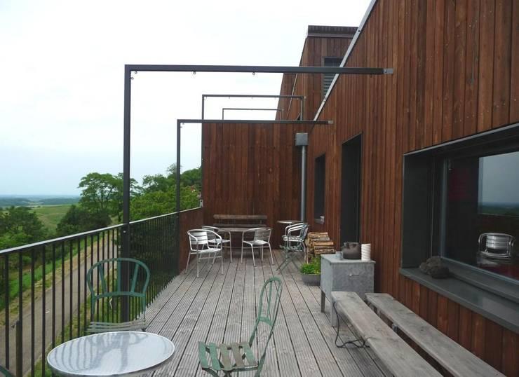 Terrasse: Terrasse de style  par Thierry Marco Architecture