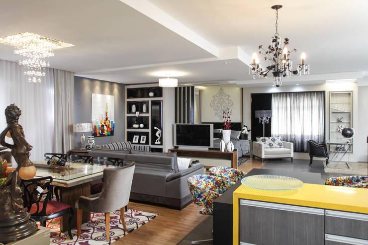 Living: Casa  por Sgabello Interiores