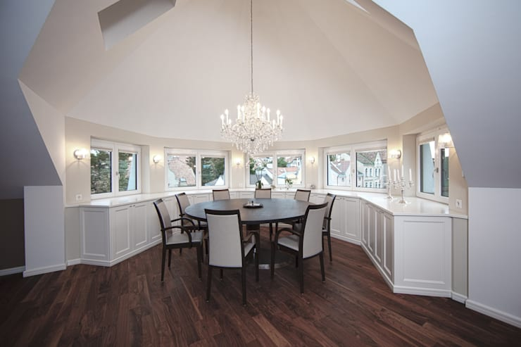 Dining room by Cordier Innenarchitektur, Classic