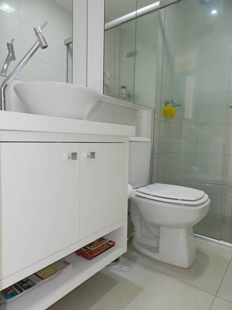 banho social: Banheiros  por ANE DE CONTO  arq. + interiores,