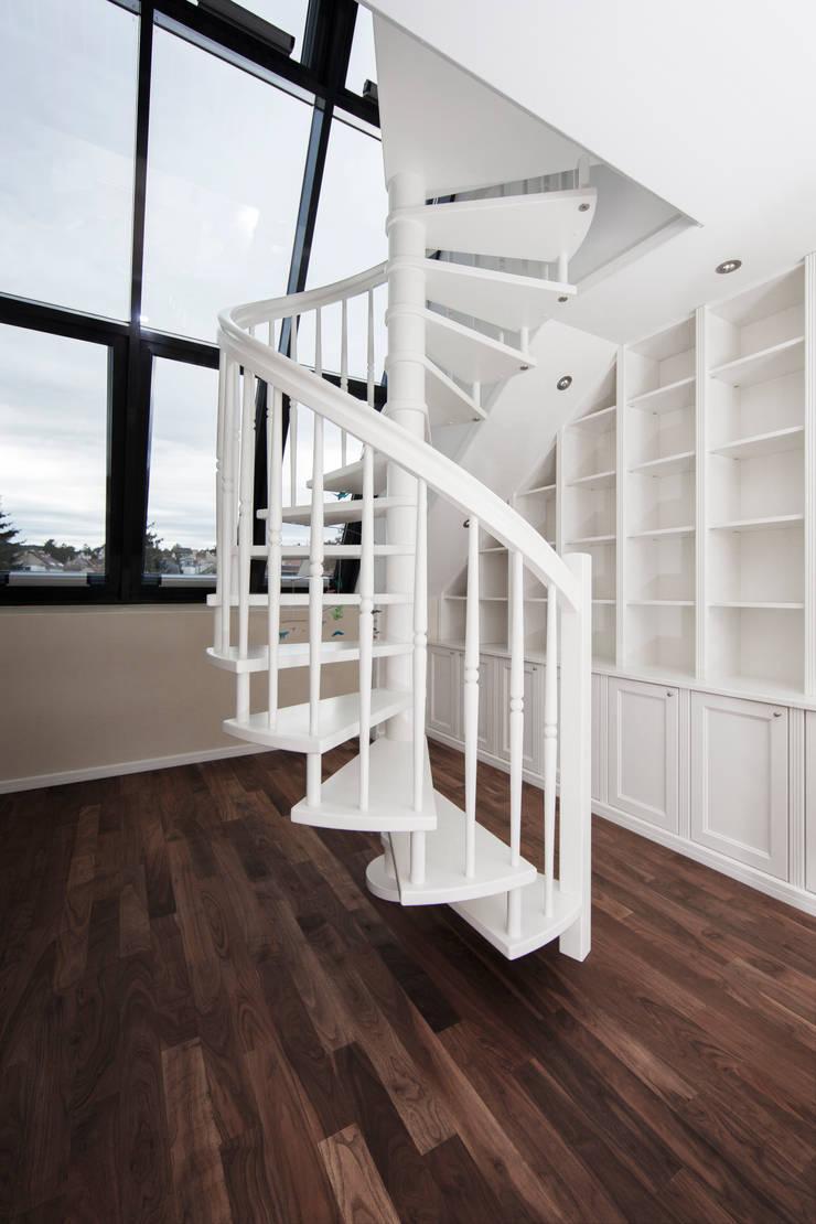 Study/office by Cordier Innenarchitektur, Classic