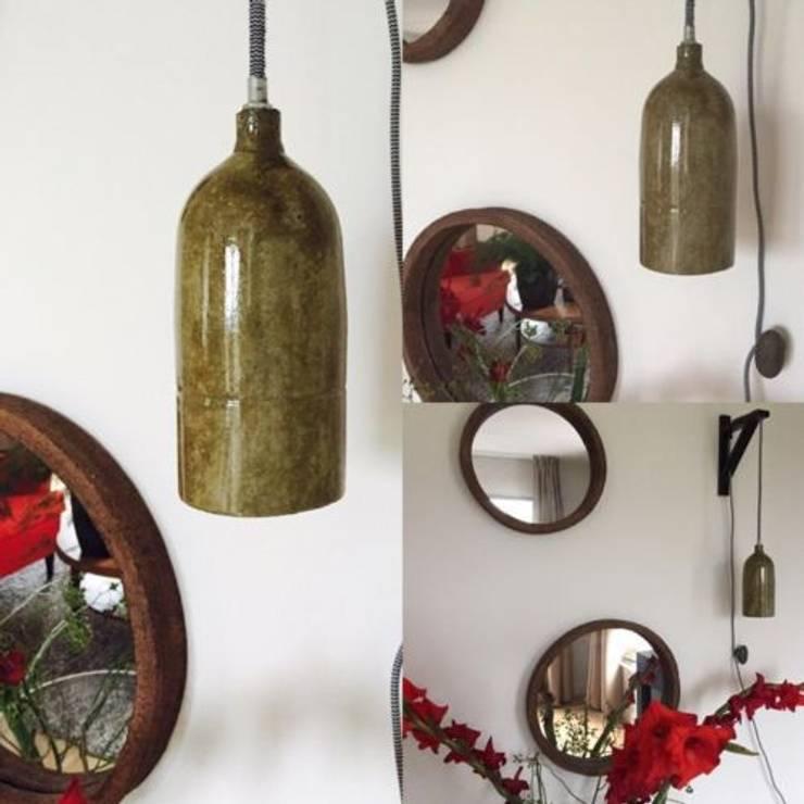 Beton & Handgemaakt hanglamp type Olive: modern  door byCoco Designstudio, Modern
