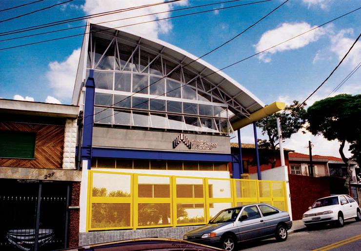 Vista Rua Java - primeira fase: Locais de eventos  por Douglas Piccolo Arquitetura e Planejamento Visual LTDA.