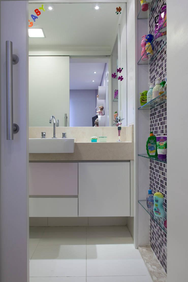 Dormitório de menina: Quarto infantil  por Natalia Guesso