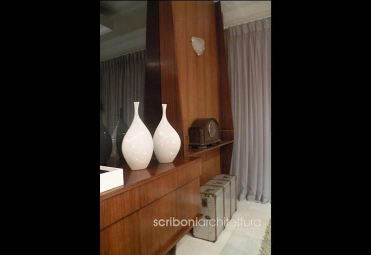 Sala de Estar e Jantar -: Sala de jantar  por architettura|Scriboni,