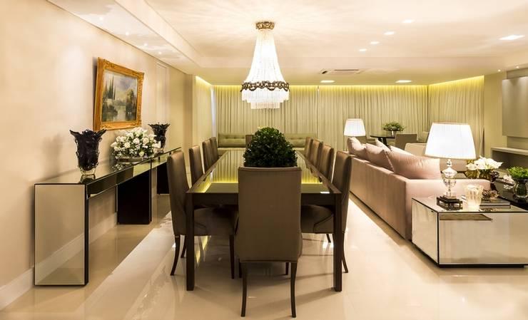 Apartamento G2: Salas de jantar  por Valdete Duarte,