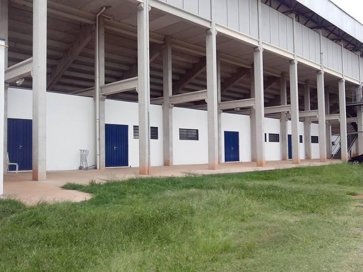 academia em campo de futebol:   por SN Engenharia