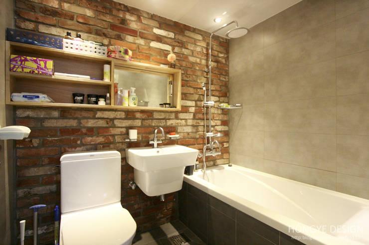 아기자기한 15평 싱글하우스 : 홍예디자인의  욕실