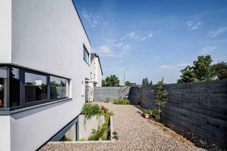 Projekty,  Domy zaprojektowane przez Corneille Uedingslohmann Architekten