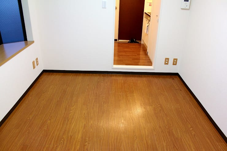 床模様替え前のお部屋: 和光建物株式会社が手掛けたです。