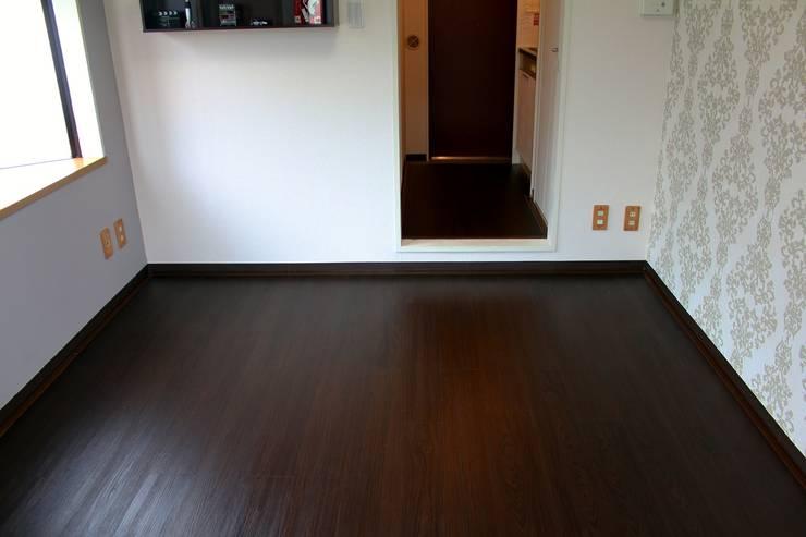 床模様替え後のお部屋: 和光建物株式会社が手掛けたです。