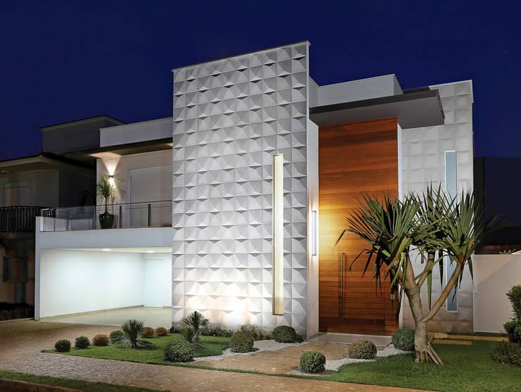 Projeto residencial: Casas  por Carla Mateuzzo