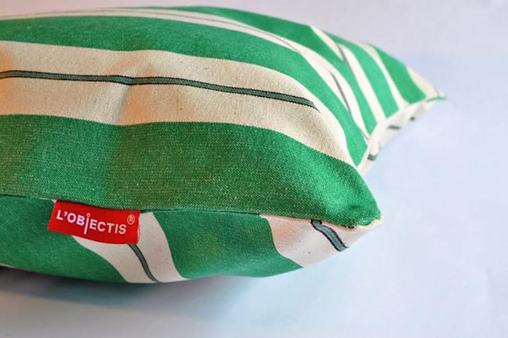 Tecidos 100% algodão, 100% portugueses: Sala de estar  por TEIAS DE LONA