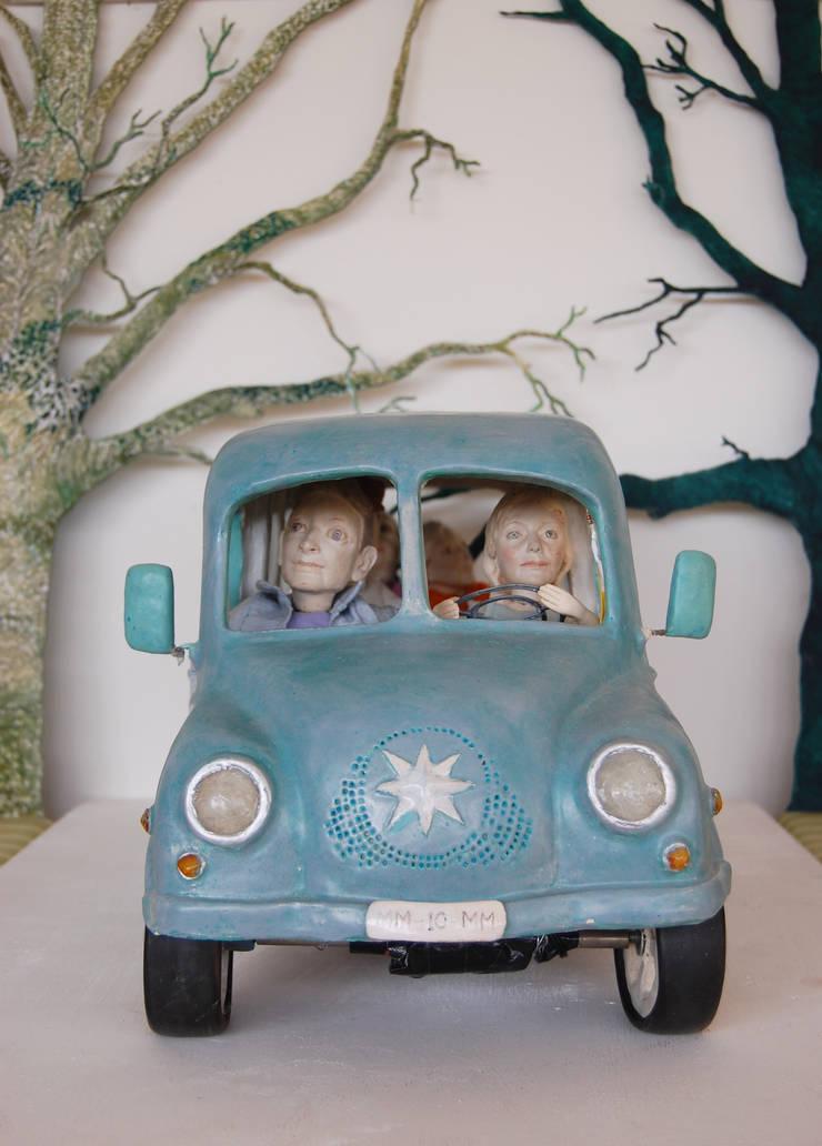 Bus :   door Marsha Metselaar, Landelijk Aardewerk