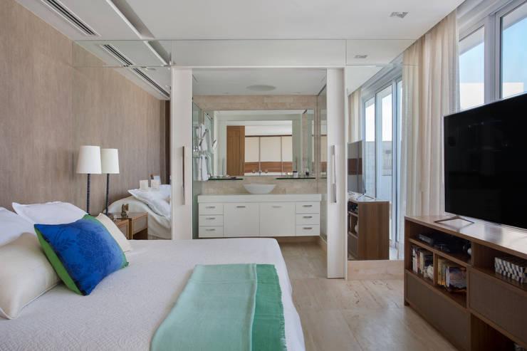 Спальни в . Автор – Paula Libanio Arquitetura Interiores