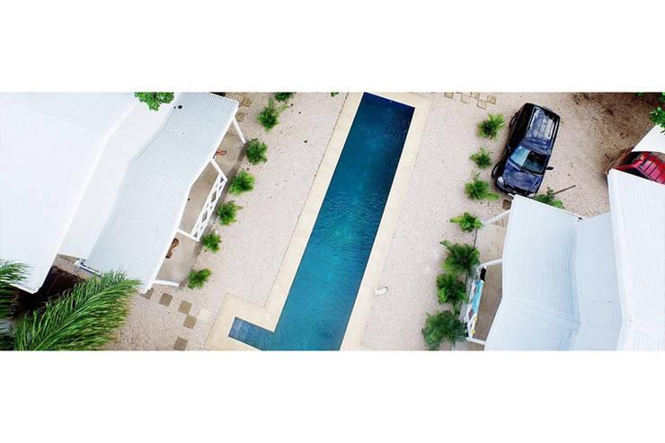 Beach cabin. Playa Avellanas, Costa Rica: styl , w kategorii Basen zaprojektowany przez 2kul INTERIOR DESIGN