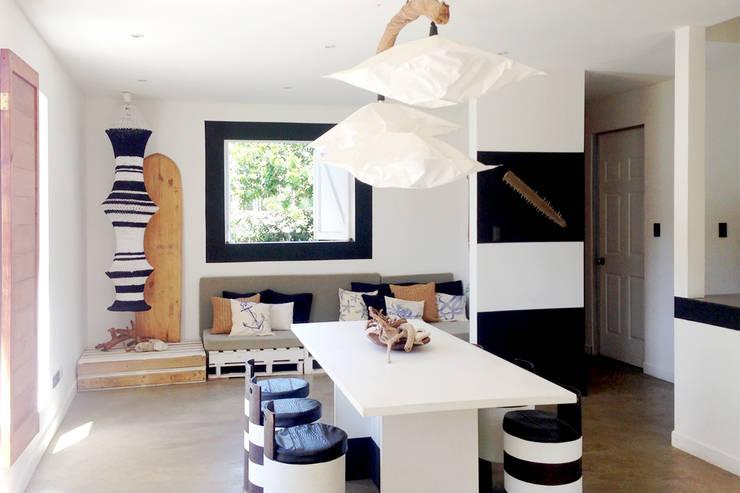 Beach cabin. Playa Avellanas, Costa Rica: styl , w kategorii Salon zaprojektowany przez 2kul INTERIOR DESIGN