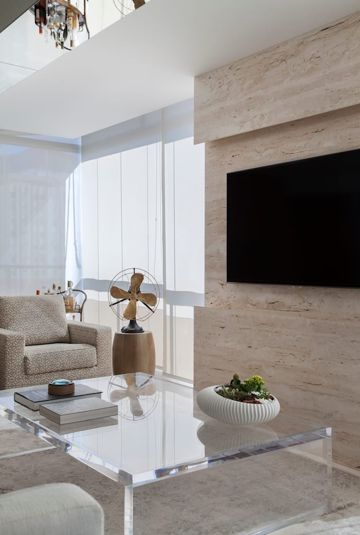 Living Leblon: Salas de estar  por Paula Libanio Arquitetura Interiores