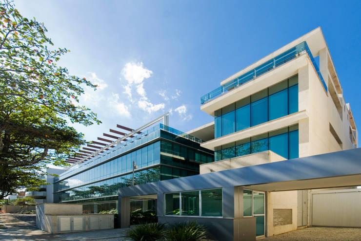 Abengoa: Escritórios  por RAF Arquitetura