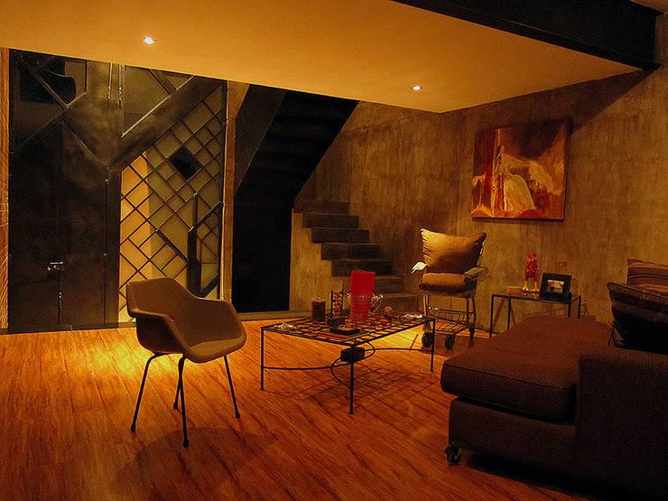 casa IZ: Salas de estilo  por NonWarp