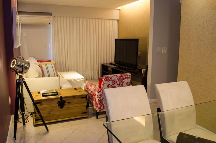 Residência Fernandes Guimarães: Salas de estar  por LMartins Fotografia