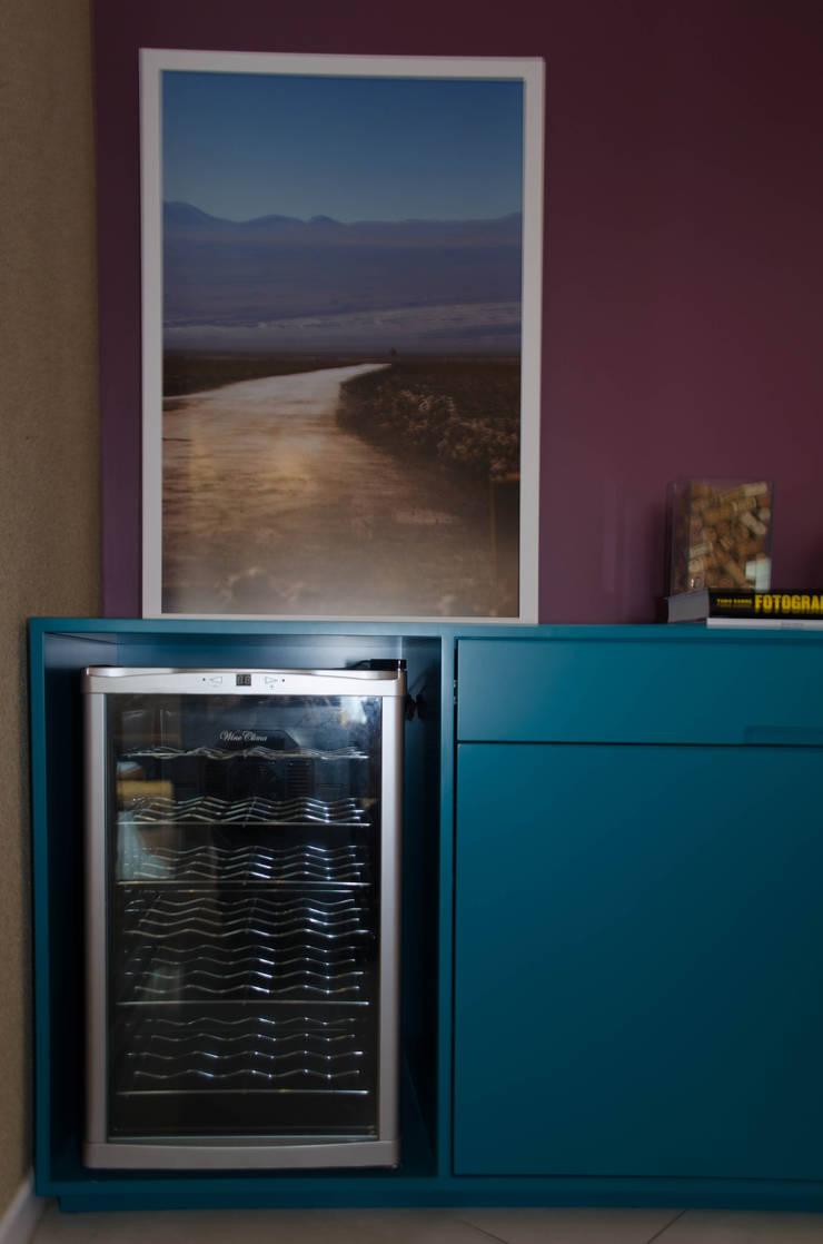 Residência Fernandes Guimarães: Salas de jantar  por LMartins Fotografia