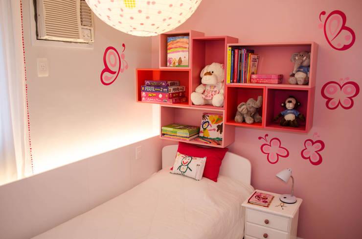 Residência Fernandes Guimarães: Quarto infantil  por LMartins Fotografia