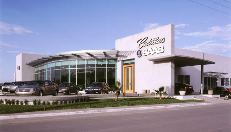 Cadillac Saltillo, Coahuila. Mx.: Casas de estilo  por Pórtico