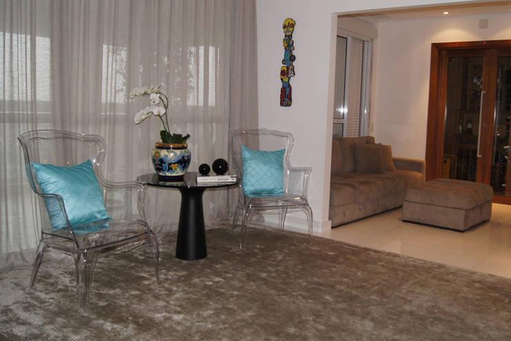 Apartamento Paraíso: Cozinha  por Marcia Pellegrini Designer + Interiores