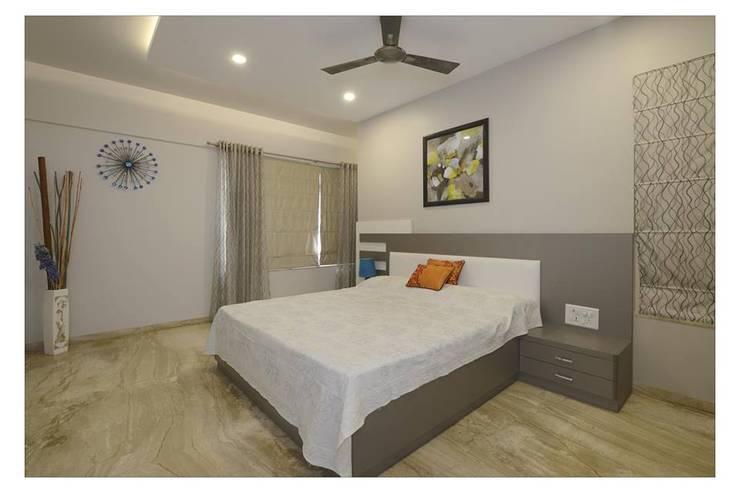 Jaiswal, Pune: modern Bedroom by CK Interiors Pvt Ltd